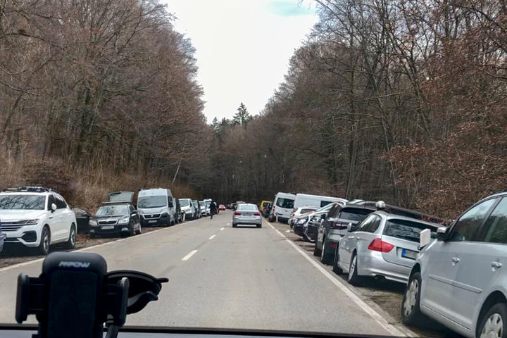 Haus der bayerischen Landwirtschaft öffnet Park-platz - Aufklärung in Sozialen Netzwerken