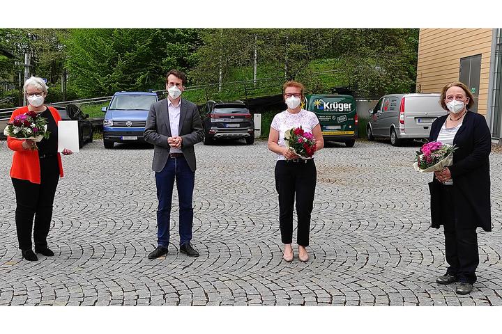 Dankurkunden für Sabine Leutheusser-Schnarrenberger, Anita Painhofer und Stefanie von Winning