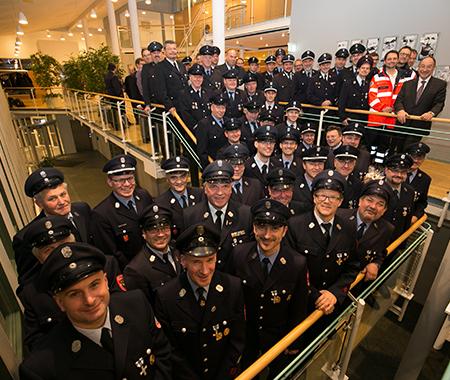 Landrat ehrt langjährige Mitglieder der Feuerwehr und der Wasserwacht