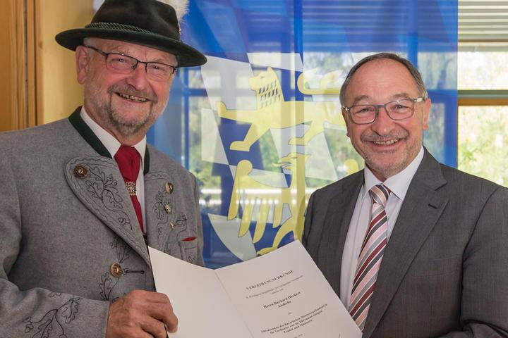 Ehrenzeichen des Bayerischen Ministerpräsidenten für Burkard Herkert