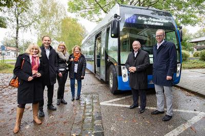 Premiere-Vorstellung: E-Bus am Landratsamt