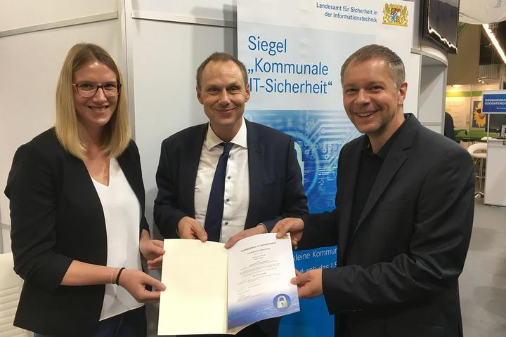 Landratsamt erhält Siegel »Kommunale IT-Sicherheit«