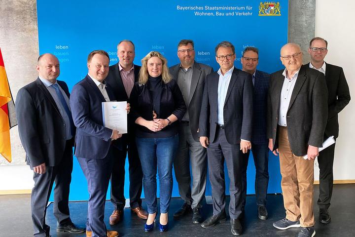 MVV-Landkreise übergeben S-Bahn-Positionspapier an Bayerns Verkehrsministerin Kerstin Schreyer